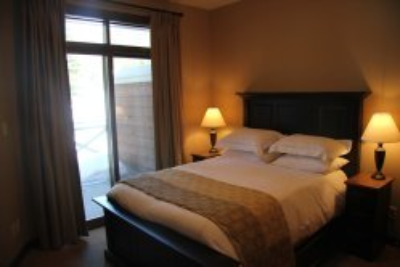 Stone's Throw condo - master bedroom