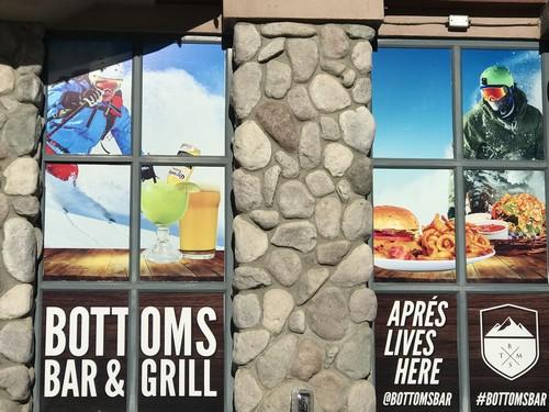 Bottom's Bar & Grill Restaurant Sun Peaks