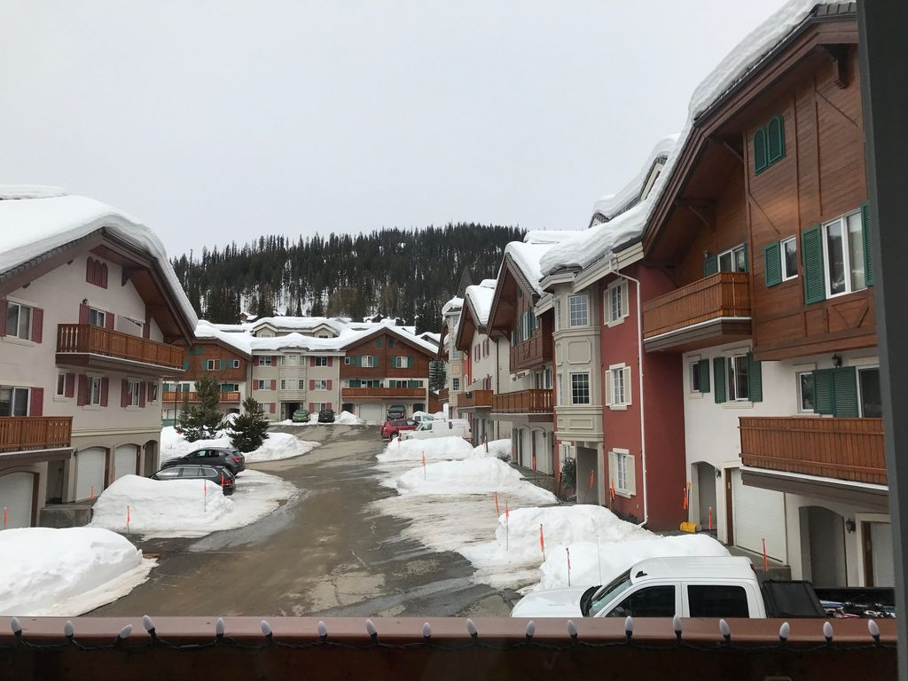 Timberline Village townhouse for rent in Sun Peaks
