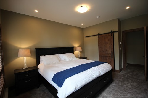 Village Walk Vacation Rental #17 - spacious master bedroom