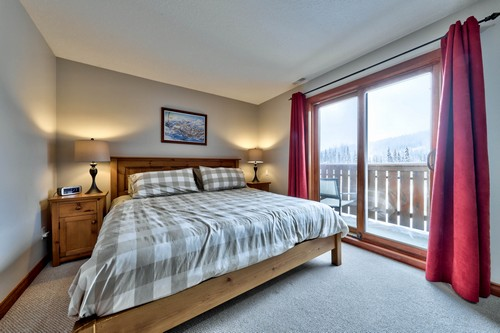 Timberline Village master bedroom with king size bed