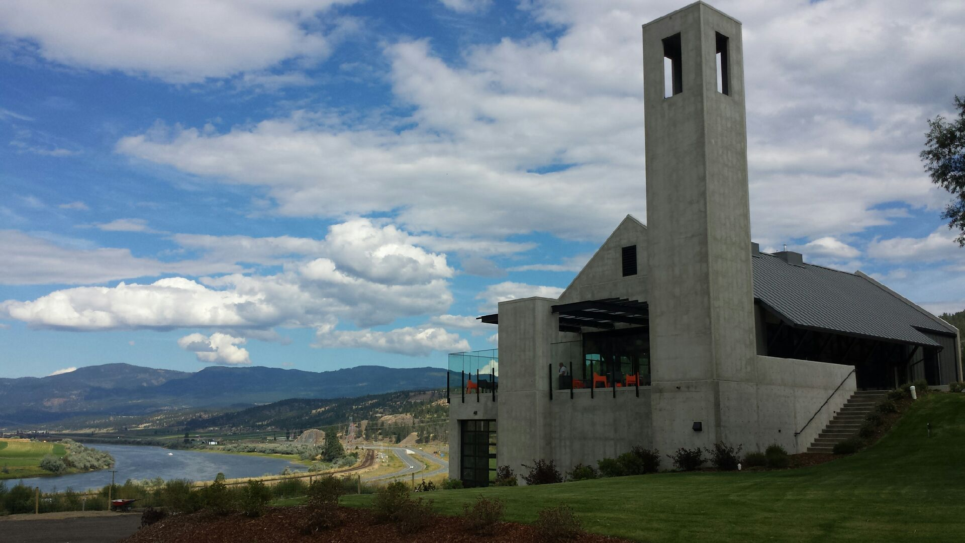 Monte Creek Ranch Winery - new building and beautiful view