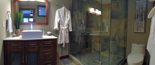 Luxurious, newly renovated Trappers Landing Sun Peaks ensuite