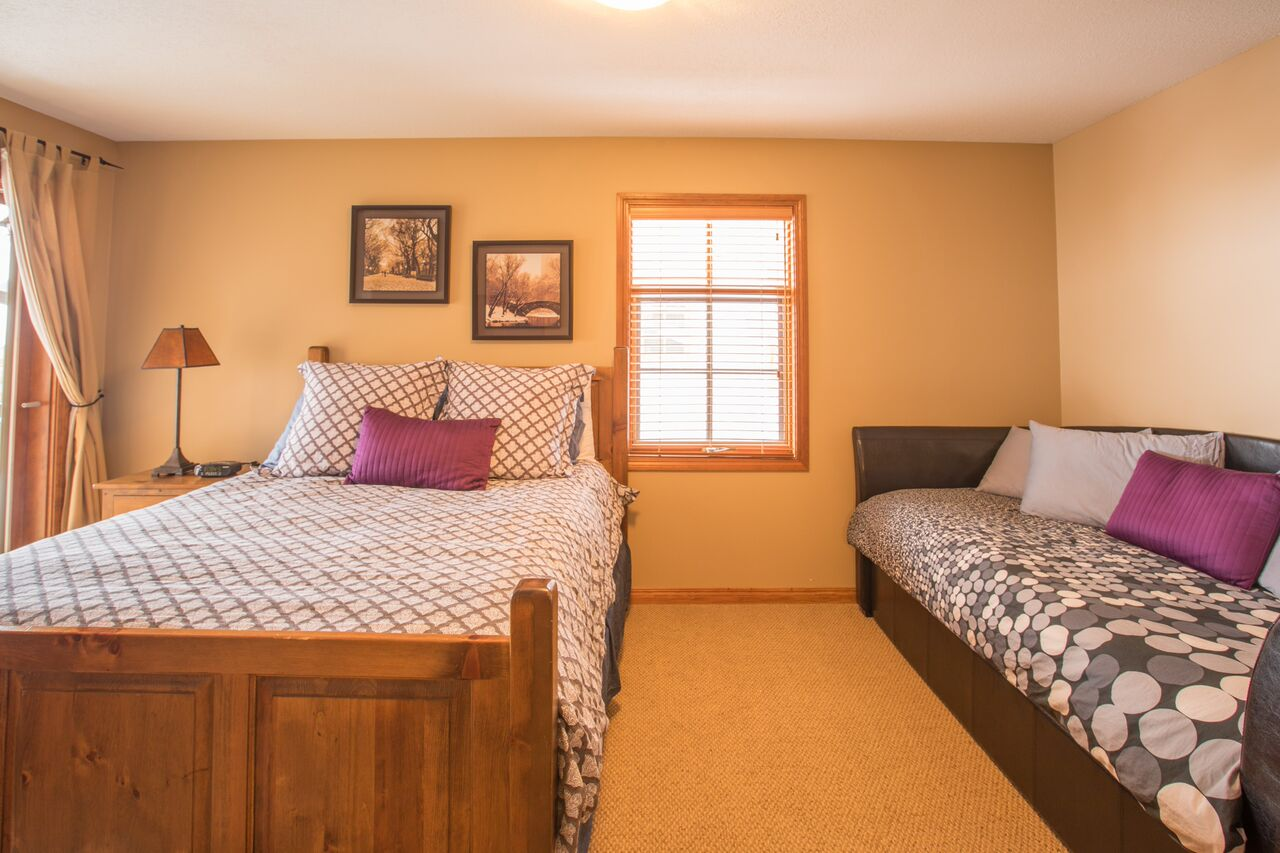 Trail's Edge 15 master bedroom