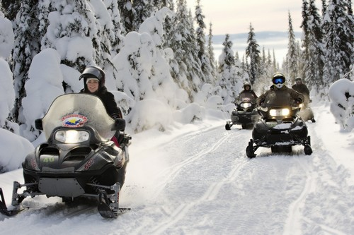 Snowmobile tour Sun Peaks - photo by Adam Stein