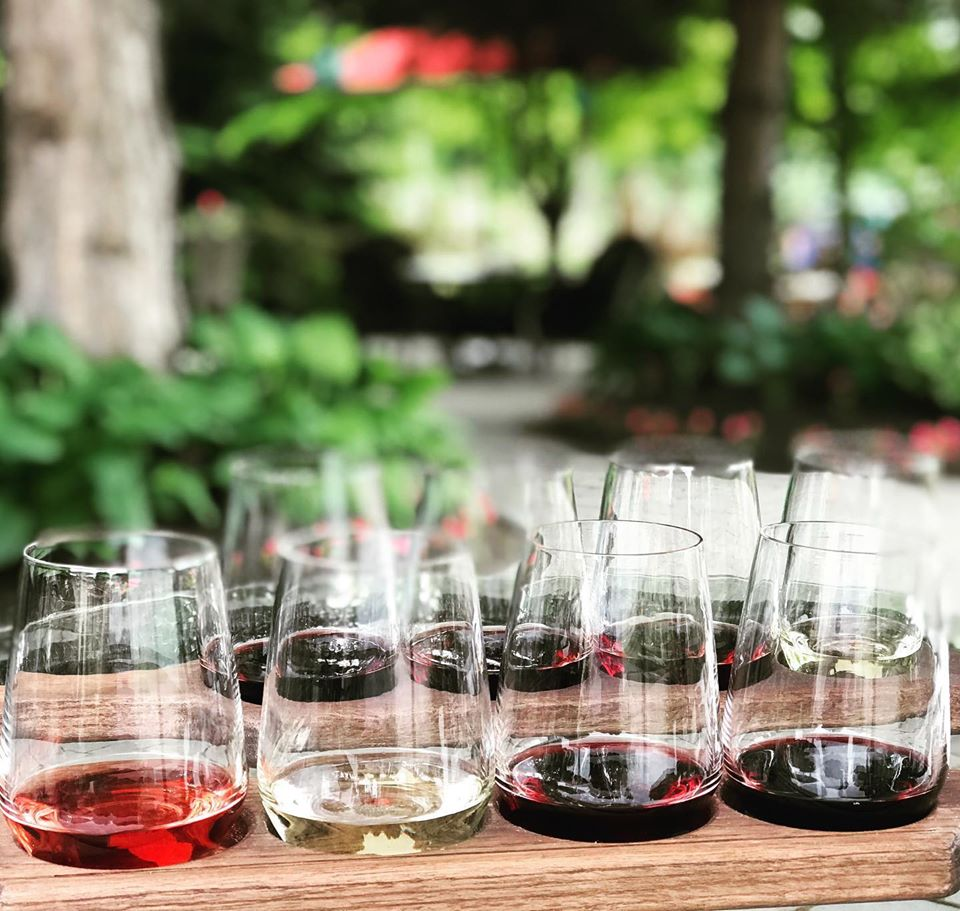 Kamloops wine flights, wine tours, craft cidery tours, craft brewery tours