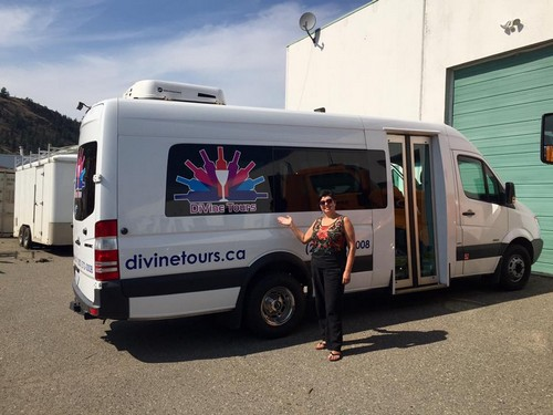 Sun Peaks winery tours - luxury vans