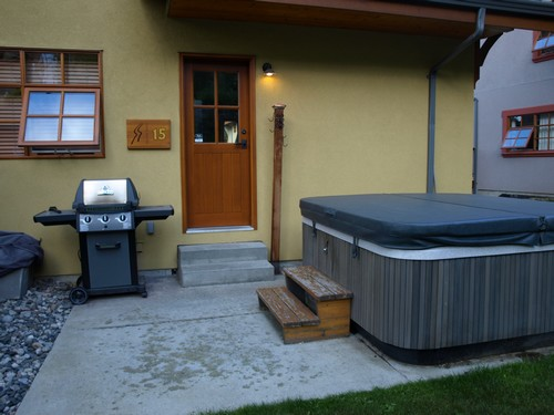 Sun Peaks Stones Throw private hot tub