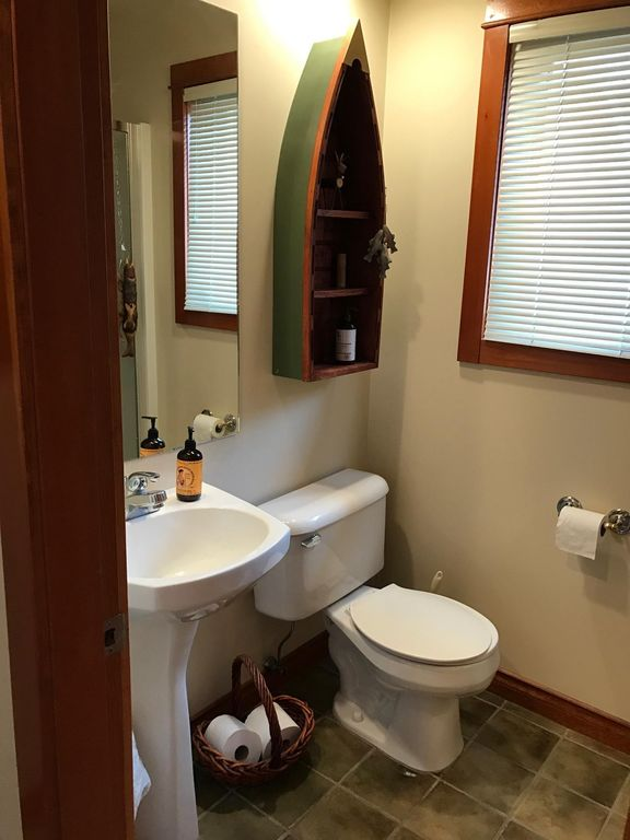 Timberline Village lower bathroom