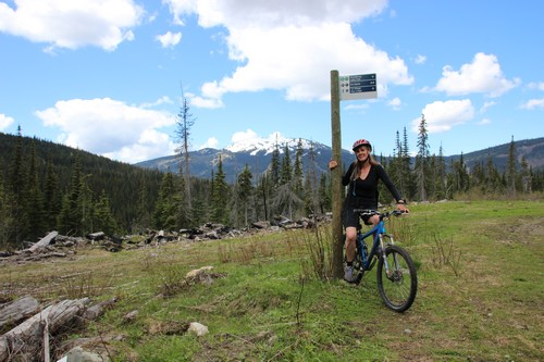Sun Peaks cross country mountain biking on the network of trails - photo by BestSunPeaks.com