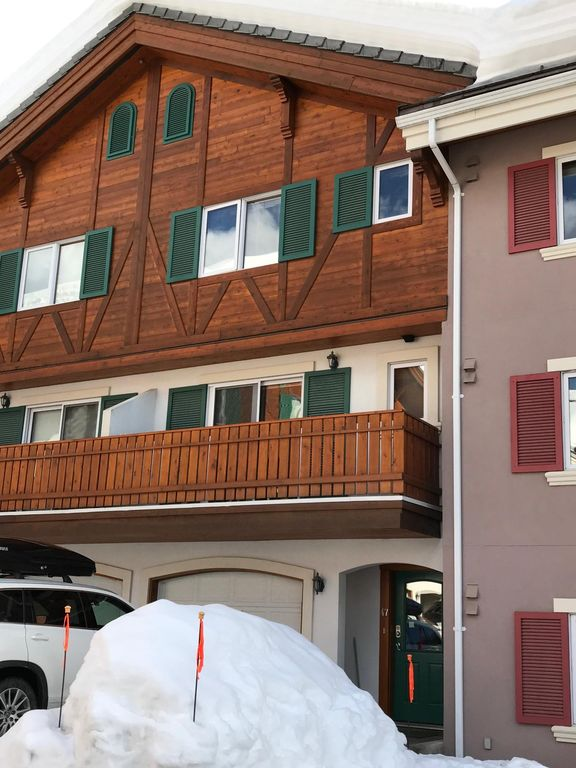Trail's Edge Townhouses - Sun Peaks Resort