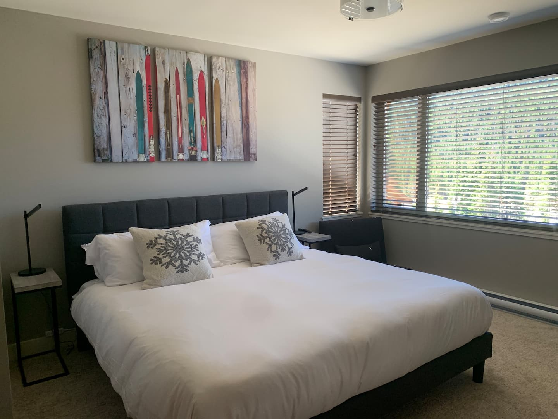 Echo Landing vacation rental with spacious master bedroom