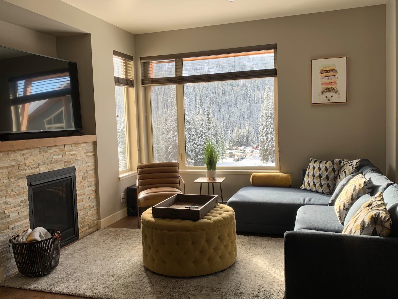 Echo Landing Vacation Rental in Sun Peaks - luxurious townhouses